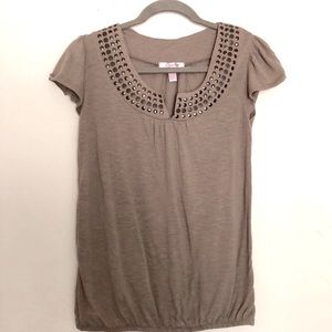 Short Sleeve Brown Top with Round Metallic Accents